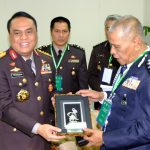 Wakapolri Komjen Syafruddin dengan pimpinan Polisi Diraja Malaysia di Dhaka