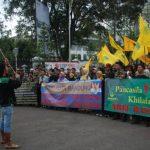 Di Makassar,  Ricuh Tablig Akbar  Massa HTI dan Banser Ansor Bentrok