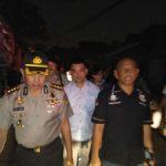 Kapolres Jakarta Timur Bantu Evakuasi Korban Kebakaran