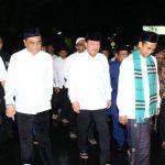 Wakapolri Dampingi Wapres JK Subuh Berjamaah Bersama Ustad Somad