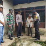 Kapolsek Tanjung Baru dan Jajaran Berikan Zakat Fitrah Kepada Asnaf Yang Delapan