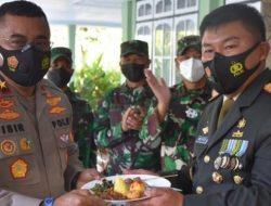 HUT TNI ke 76 Wakapolda Sulut Serbu Kediaman Danrem 131/Santiago